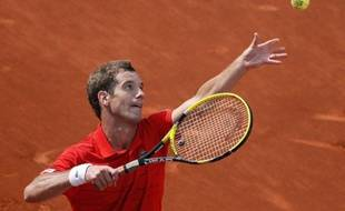 Richard Gasquet pendant son match gagné contre Tommy Haas à Roland Garros, le 2 juin 2012.