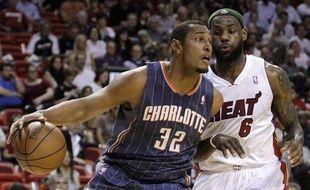 Boris Diaw, sous le maillot des Charlotte Bobcats, face au Miami Heat de LeBron James, le 8 avril 2011.