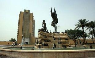 """L'hôtel de luxe Al-Rasheed, dans la """"Zone verte"""" de Bagdad, avant sa réouverture, le 15 juillet 2011"""