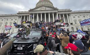 Violences à Washington: Facebook estime avoir «joué son rôle» lors des émeutes du Capitole (Archives)
