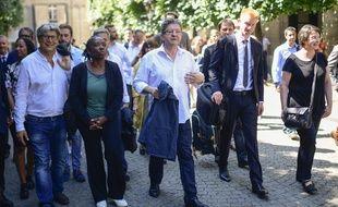 Le leader de La France insoumise et nouveau député Jean-Luc Mélenchon a fait une arrivée groupée mardi à l'Assemblée nationale avec les élus LFI.