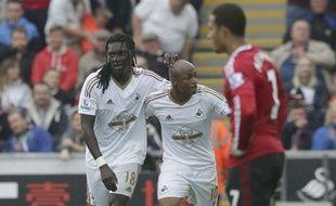 Bafé Gomis et André Ayew le 30 août 2015 contre Manchester.