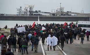 Manifestation de migrants aux abords du port de Calais (illustration).