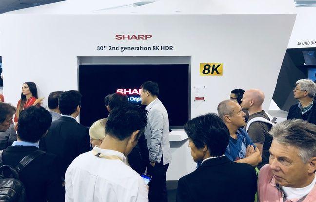 Un moniteur 8K de 65'' sur le stand Sharp au salon IFA de Berlin 2018.