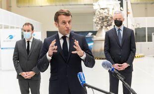 Emmanuel Macron, le 12 janvier 2021 à Vernon, sur le site d'ArianeGroup.