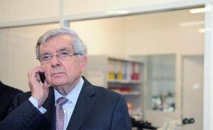 """Jean-Pierre Chevènement, candidat MRC à la présidentielle, a estimé mercredi que la création de l'euro était une affaire """"pas très catholique"""" et qu'il aurait mieux valu opter pour une monnaie commune."""