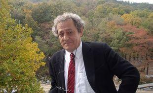 Portrait de Benjamin Coriat, économiste et professeur de Sciences économiques à Paris 13