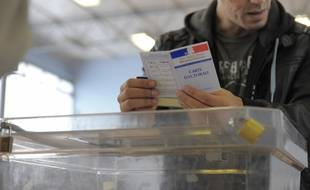 Jour de vote à Strasbourg en 2011. pour les élections régionales des 6 et 13 décembre 2015, plus de 3,9 millions d'électeurs sont attendus dans les bureaux de vote de la région grand Est.