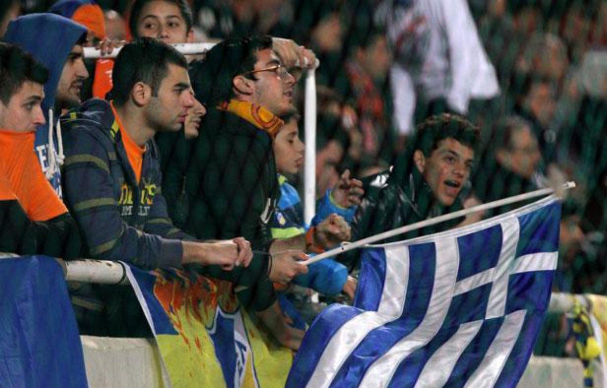 Des supporters de l'Apoel Nicosie, le 5 décembre 2011 lors d'un match de Ligue des champions. – AFP