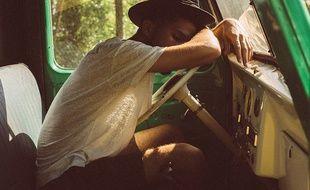 Un jeune homme s'endort sur son volant.