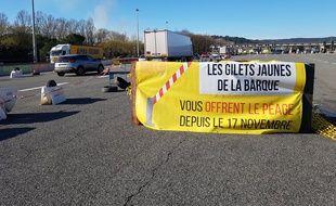 """Le péage de la Barque est occupé par les """"gilets jaunes"""" depuis le début du mouvement"""