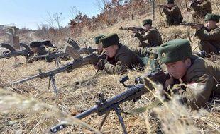 Des soldats nord-coréens à l'entraînement, le 20 mars 2013.
