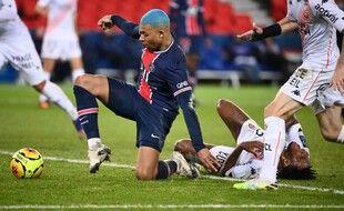 Mbappé pourrait lui aussi manquer le déplacement à Strasbourg mercredi.
