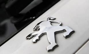Le logo du constructeur automobile PSA Peugeot Citroën