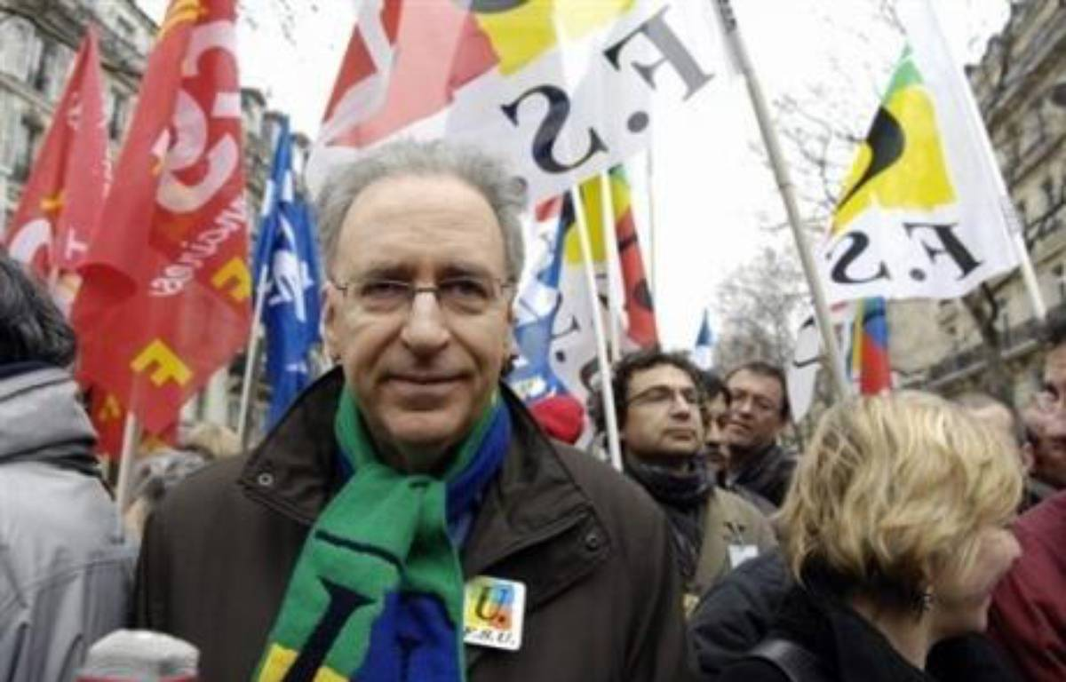 Trois organisations syndicales de la Fonction publique (CGT, FSU, Solidaires) représentant plus de 40% des agents, appellent les fonctionnaires à faire grève et à manifester le mardi 10 juin, pour l'emploi et contre les réductions d'effectifs, ont-elles annoncé jeudi. – Stephane de Sakutin AFP/Archives