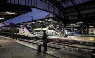 A 8h30, en ce 16 décembre 2019, nouveau jour de grève dans les transports, la gare de l'Est (Paris) est vide.
