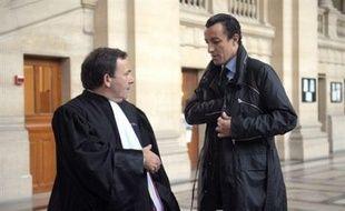 Les 25 avocats de la défense dans le procès d'Antonio Ferrara, le braqueur italien jugé avec 20 complices présumés de son évasion de Fresnes le 12 mars 2003, entament leurs plaidoiries ce vendredi.
