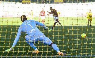 Le penalty marqué par Leya Iseka.