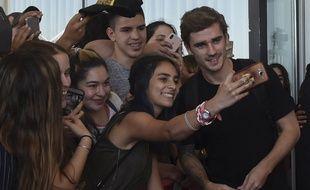 Antoine Griezmann a été accueilli par de nombreux fans, lorsqu'il s'est rendu en Uruguay, en décembre 2018.