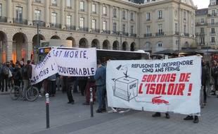 Une manifestation sauvage s'est déroulée dimanche soir à Rennes après l'annonce des résultats.