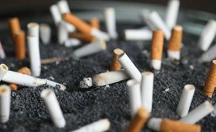Des cigarettes éteintes.
