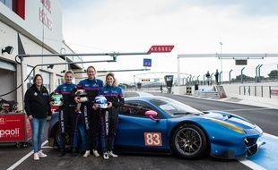 Deborah Mayer, Manuela Gostner,  RahelFrey et Michelle Gatting et la Ferrari 488 GTE de l'écurie Kessel Racing.