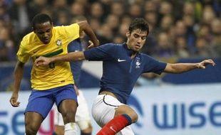 Privé de Benzema, blessé, le sélectionneur de l'équipe de France Didier Deschamps a créé jeudi une petite sensation en convoquant Yoann Gourcuff pour l'amical contre l'Italie, mercredi, au sein d'une liste qui fait la part belle aux joueurs ayant ramené le nul d'Espagne (1-1).