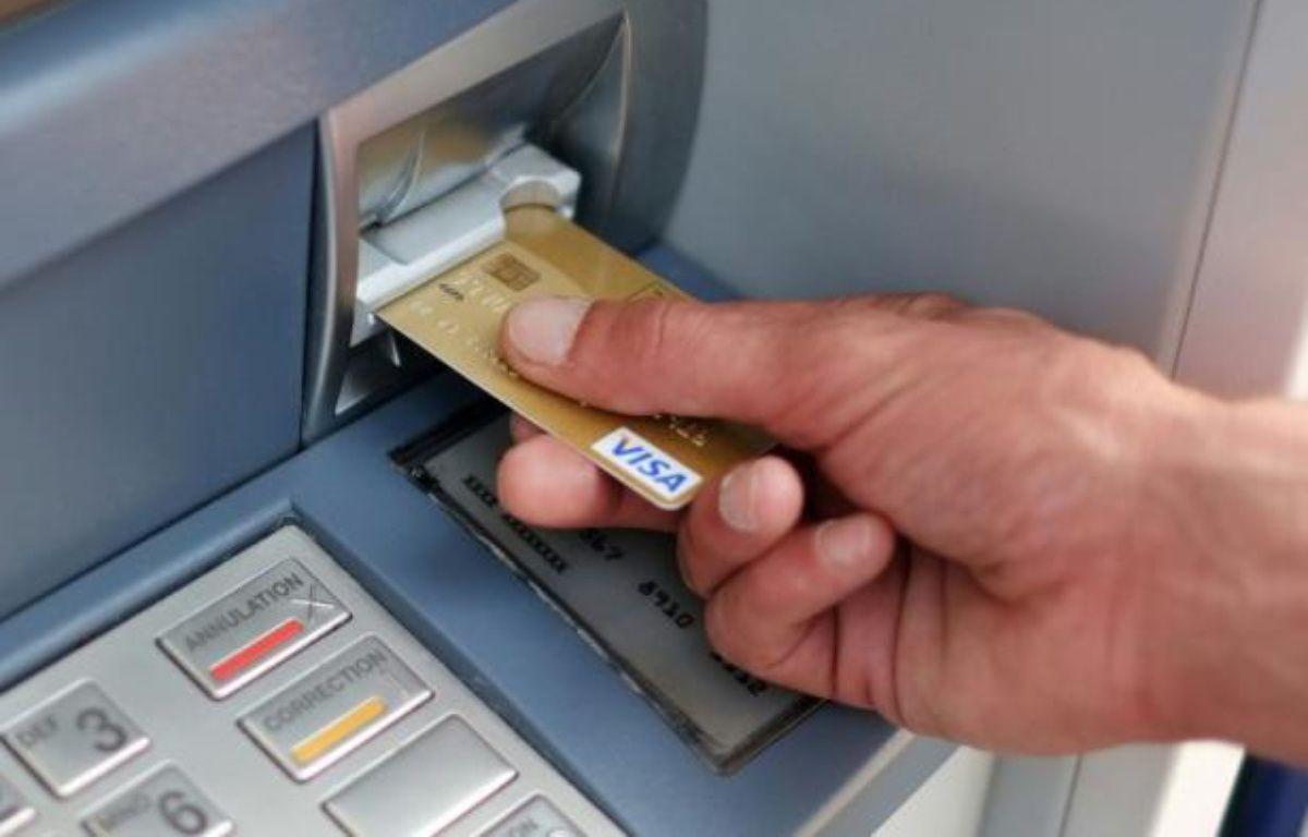 Les fraudes à la carte bancaires se multiplient – Jean-Sebastien Evrard AFP