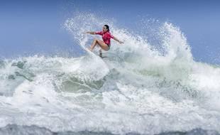 La surfeuse Johanne Defay.