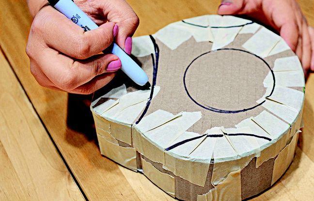 A l'aide d'un marqueur, délimiter les zones du où seront collés les papiers crépon