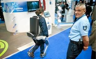 L'«exosquelette» Hercule permet de déplacer des charges allant jusqu'à 100 kg.