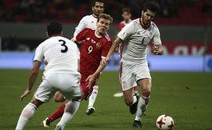 L'équipe d'Iran (en blanc) face à la Russie