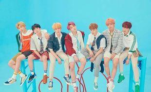 Le groupe de K-pop BTS atteint pour une seconde fois la première place du Billboard 200 (ventes d'albums aux Etats-Unis).