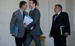 Emmanuel Macron à la sortie du conseil des ministres le 20 avril 2016