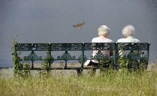 """L""""espérance de vie augmente de nouveau au niveau mondial (illustration)."""