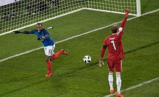 Lacazette ouvre la marque contre l'Allemagne, le 14 novembre 2017.