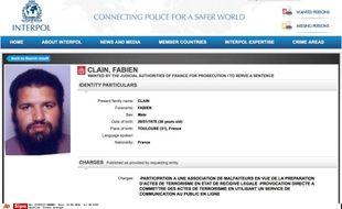 L'avis de recherche international de Fabien Clain diffusé par Interpol.