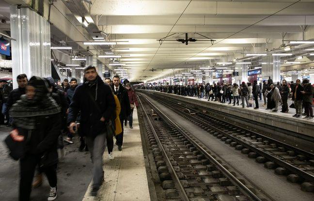 Grève du 12 décembre : EN DIRECT Cohue dans le métro... Déjà 313 km de bouchons en Ile-de-France...