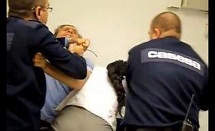 Un couple qui s'est fait violemment agresser par des vigiles en Espagne fin décembre 2013 a posté la vidéo sur Youtube.