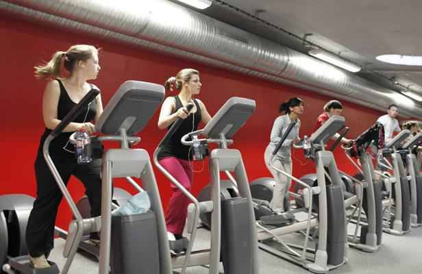les salles de gym r cup rent l 39 nergie des sportifs pour produire de l 39 lectricit. Black Bedroom Furniture Sets. Home Design Ideas