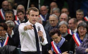 Emmanuel Macron devant 653 maires normands, le 15 janvier 2019 à Grand Bourgtheroulde dans l'Eure.