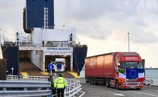 L'arrivée du premier ferry de transport de marchandises, le 3 janvier, directement depuis l'Irlande dans le port de Dunkerque.