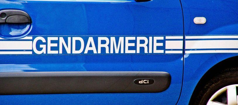 Illustration d'une voiture de gendarmerie.