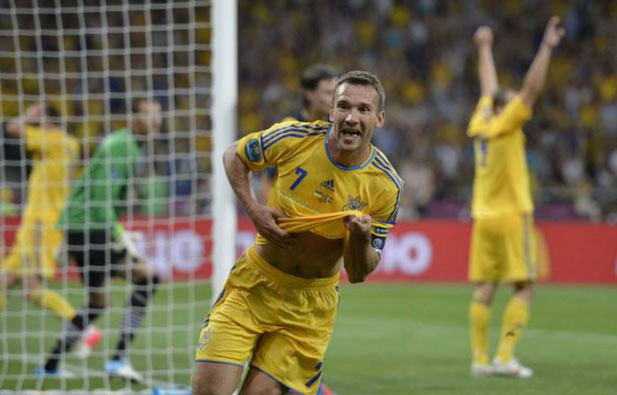 Andriy Shevchenko célèbre son deuxième but face à la Suède pour le premier match de l'Euro 2012, à Kiev, le 11 juin 2012. – Martin Meissner/AP/SIPA