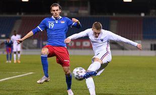 Adrien Truffert a fait ses débuts sous le maillot de l'équipe de France Espoirs le 12 novembre face au Liechstenstein.