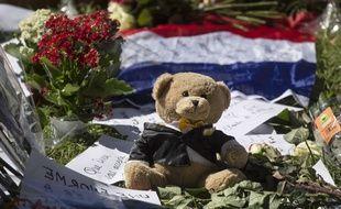 A Nice, sur la promenade des Anglais le 16/07/2016, un hommage aux victimes.