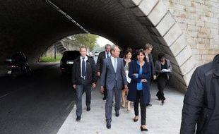 """Bertrand Delanoë défendra lundi devant le Conseil de Paris un ensemble de nouvelles mesures pour lutter contre la pollution, dont la droite et, dans une moindre mesure, les Verts ont critiqué jeudi les limites et les arrière-pensées """"politiciennes""""."""