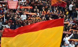 Des supporters de l'AS Rome pendant le match contre Naples le 4 avril 2015.