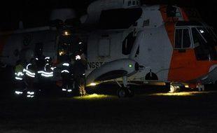 Les secours mobilisés à Aardal, en Norvège, après le meurtre de trois personnes dans le détournement d'un bus.