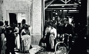 Le tournage de Sortie d'usine, le 19 mars 1895 à Lyon.